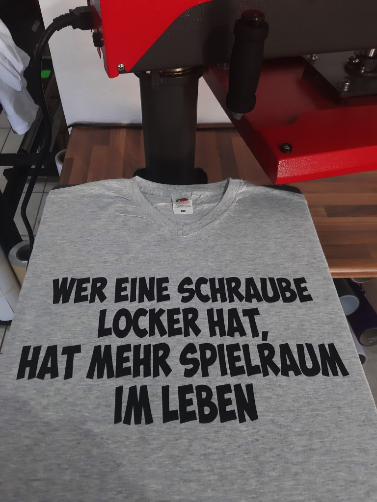 buy popular ffed0 f7fd6 T-Shirt bedrucken lassen in meiner Nähe   Beflocken und ...